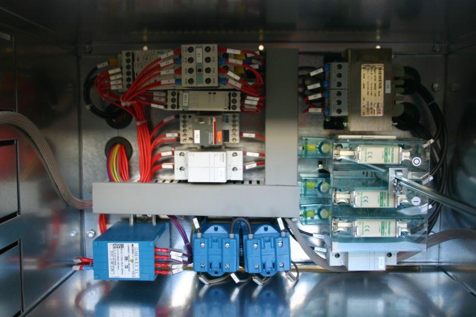 Cabina Armadio Nel Elektronik : Cabine bt mt bassa e media tensione garema srl